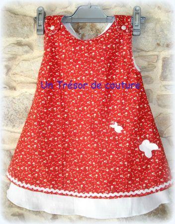 Couture robe de petite fille