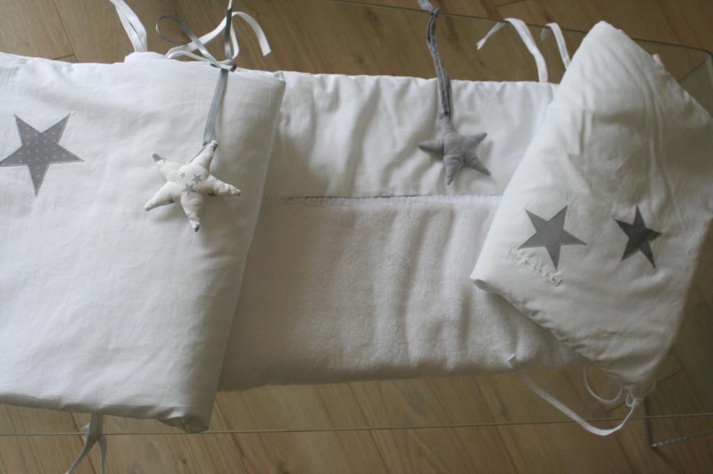 mod le couture tour de lit b b 5. Black Bedroom Furniture Sets. Home Design Ideas