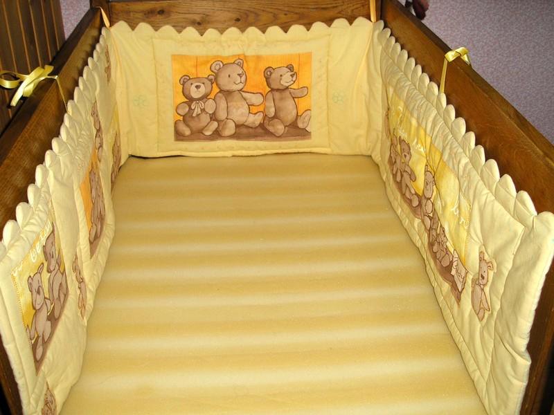 mod le couture tour de lit b b 9. Black Bedroom Furniture Sets. Home Design Ideas
