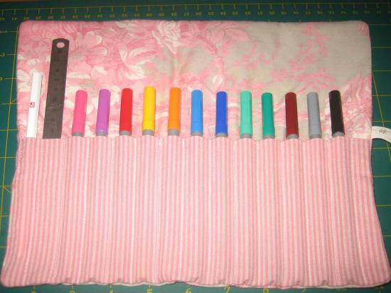 Tuto couture trousse crayons for Couture trousse
